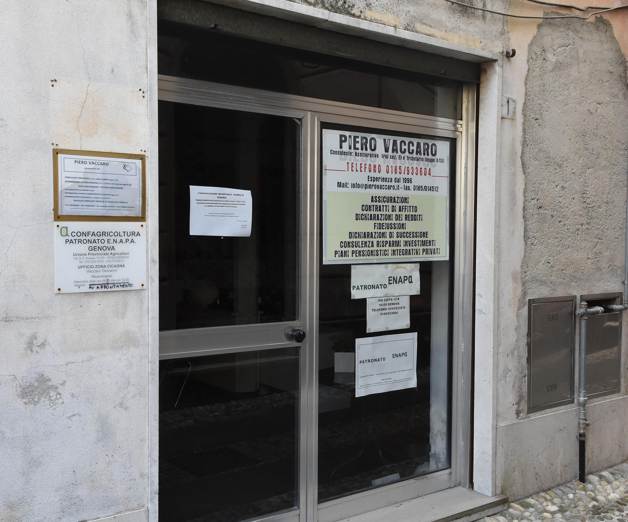 L'ingresso della sede di Cicagna