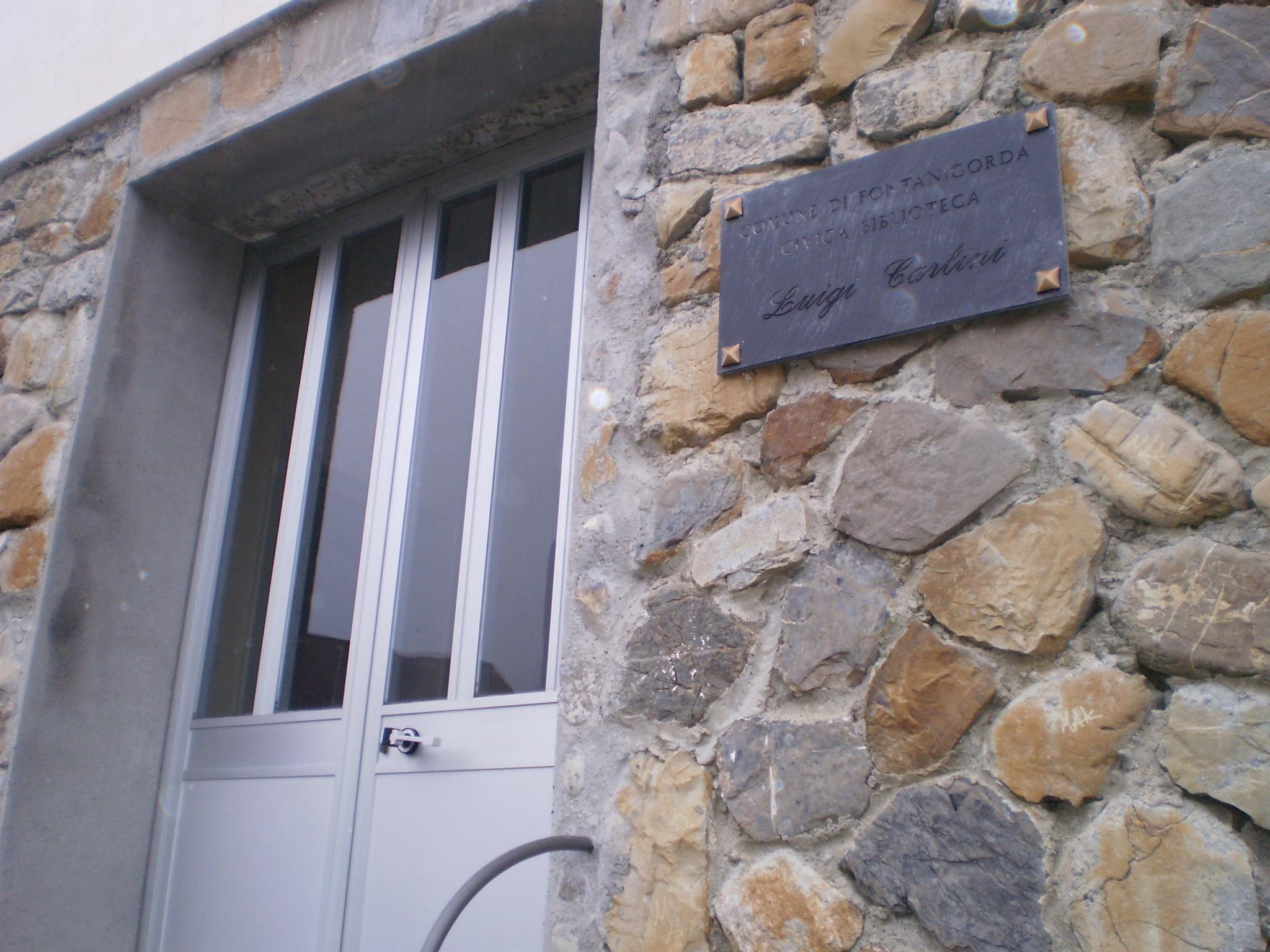 ingresso della biblioteca