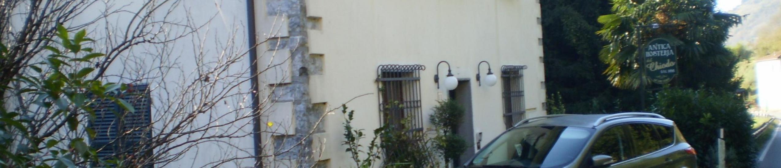 Vista laterale dalla strada