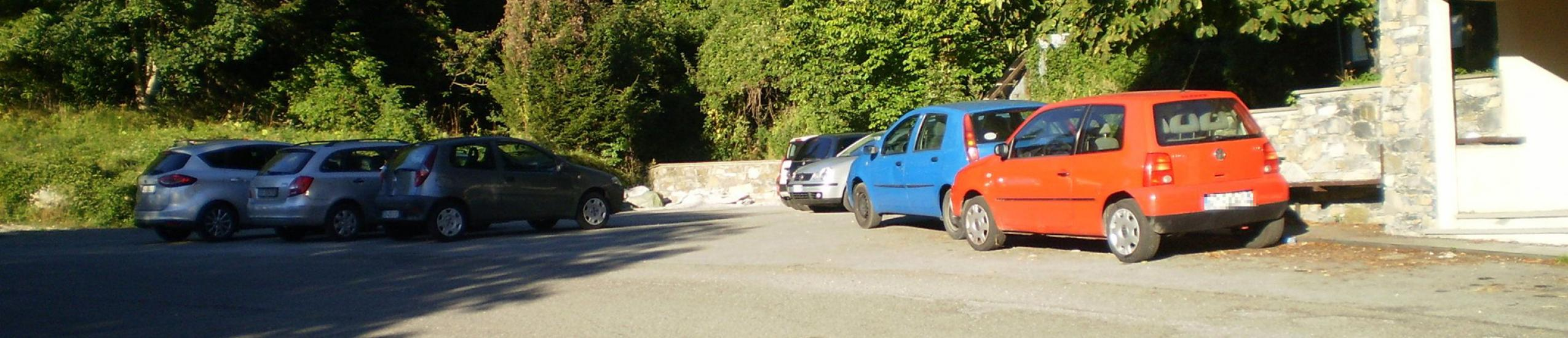 Piazza a parcheggio Bavastrelli