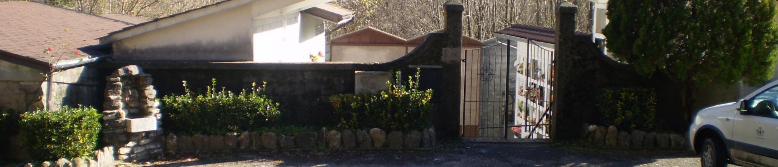 ingresso al cimitero di loco