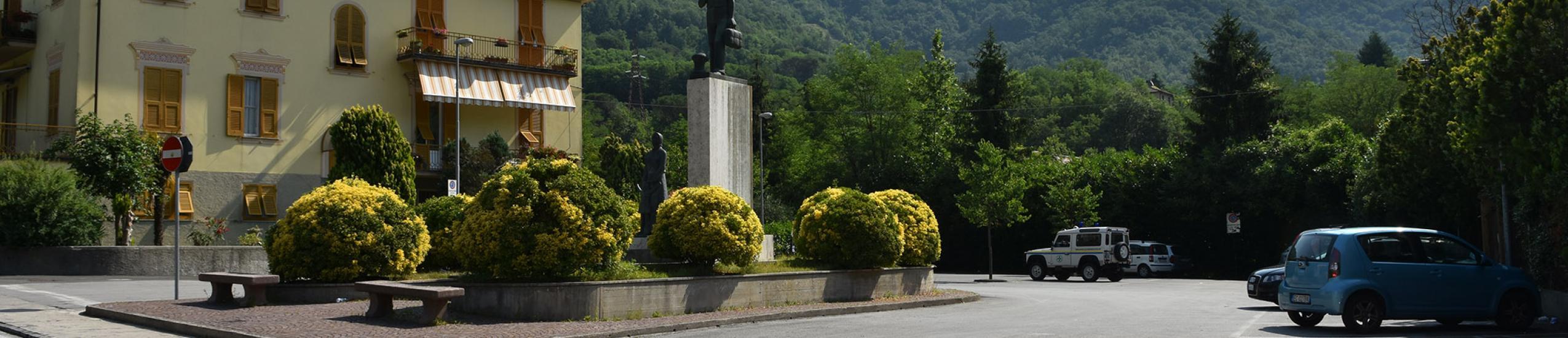 Il parcheggio visto dalla strada