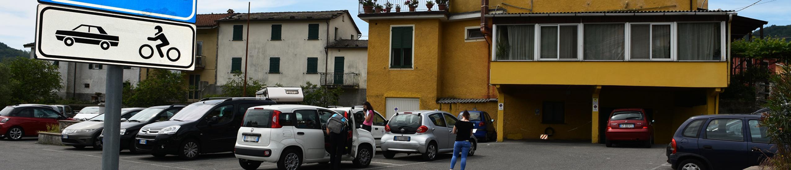 Parcheggio pubblico a Lumarzo (0)