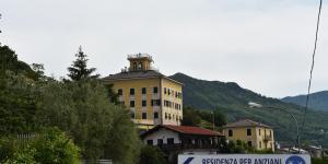 L'edificio con la torretta