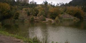 l'edificio prospiciente il lago del Bocco