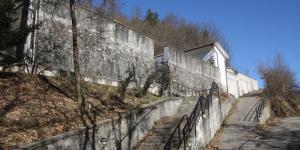 accesso al cimitero