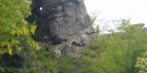 Particolare volto megalitico