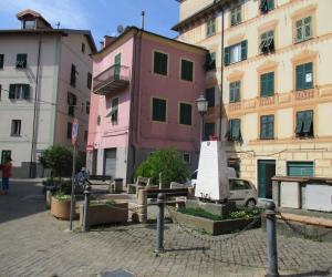 Piazza Gastaldi (4)