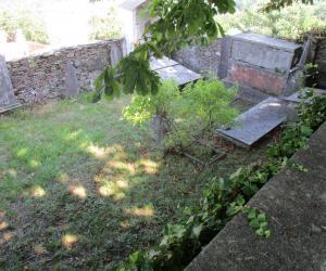 Il piccolo cimitero