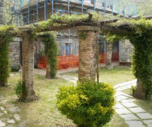 Patio tra il monastero e l'abbazia