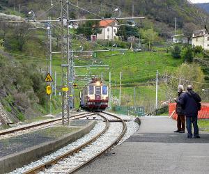 ferrovia genova/casella-SERVIZIO MOMENTANEAMENTE SOSPESO