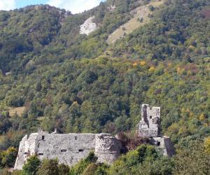 ruderi del castello di torriglia